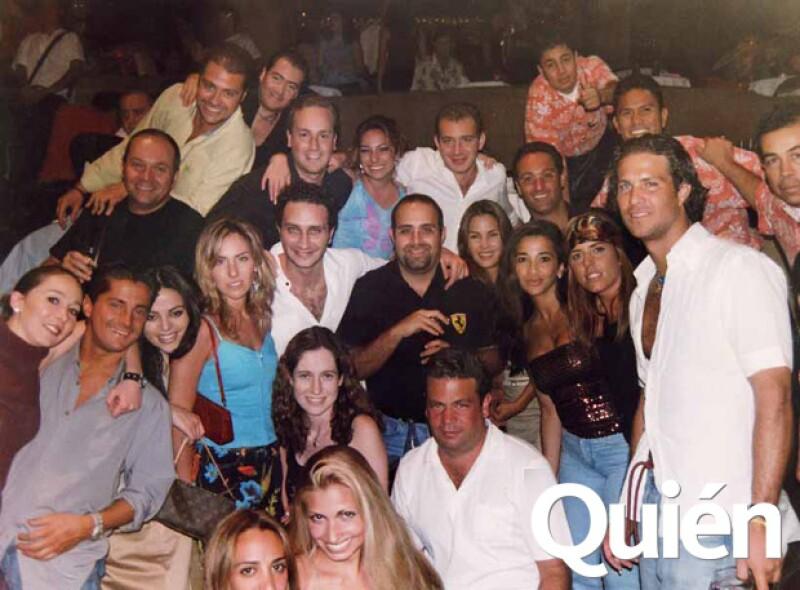 La disco acapulqueña ha disfrutado y padecido a los hijos de los grandes políticos desde hace casi cuatro décadas. Y ahí, también, conviven en paz y como viejos amigos los magnates mexicanos.