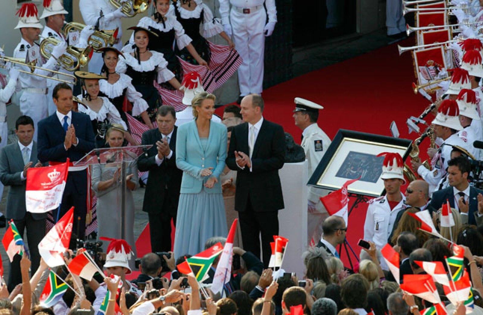 La boda es la primera para ambos, aunque el príncipe ha reconocido la paternidad extramatrimonial de dos niños.