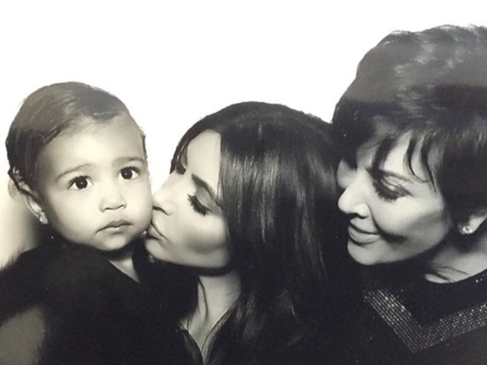 Tres generaciones... Kris, Kim y North