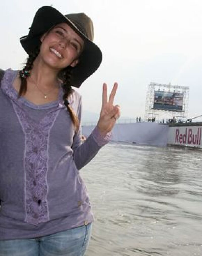 La joven actriz participó como jurado en este divertido certamen al sur de la Ciudad.