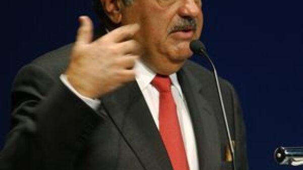 Con la participación que adquirió el empresario mexicano se convierte en el tercer accionista más grande de la compañía.