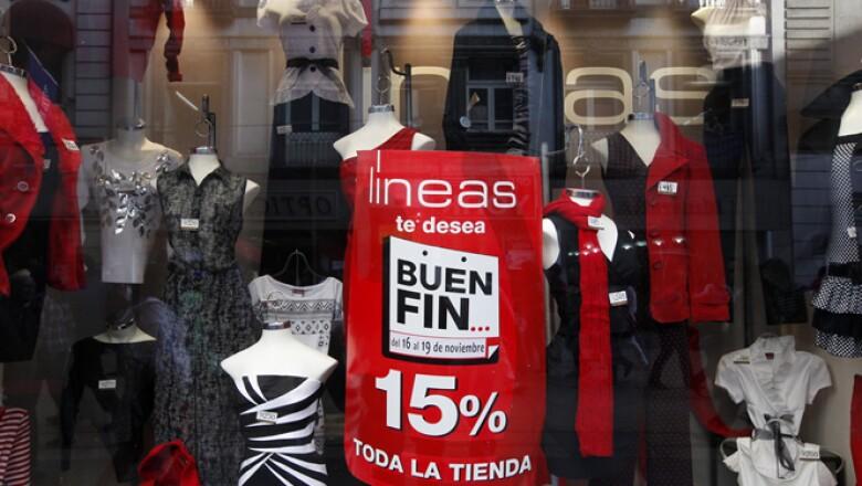 Miles de tiendas tratan de seducir a los potenciales compradores con ofertas y facilidades de pago.