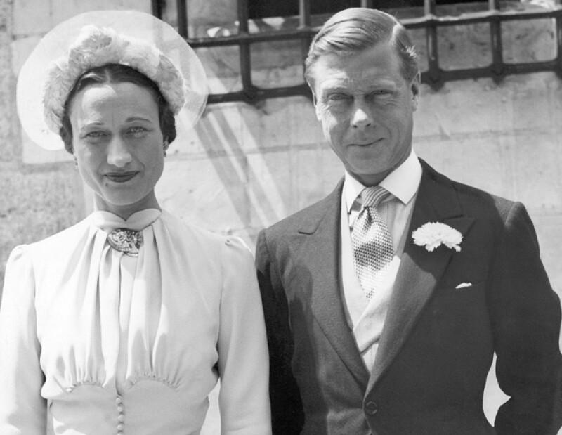 En 1931, la dos veces divorciada Wallis Simpson (situación inaceptable para un Reina inglesa), conoció al bailarín y feliz príncipe Eduardo.