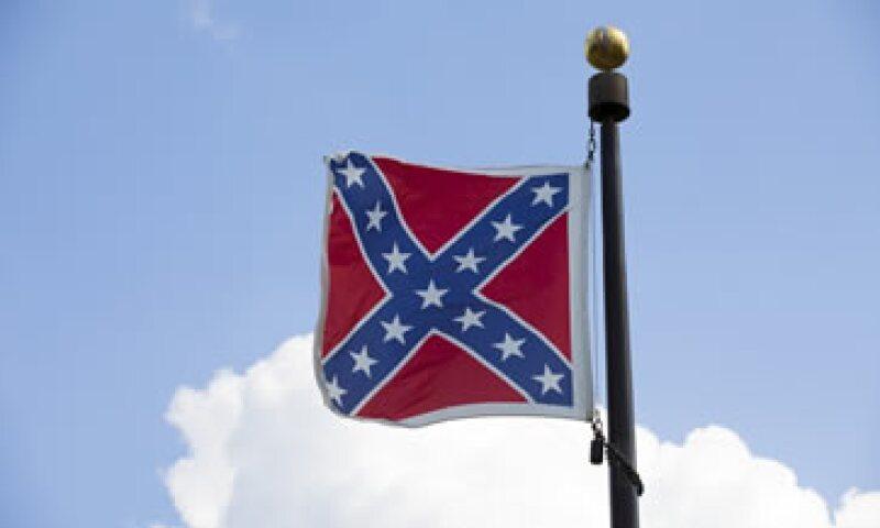 La bandera fue usada por los estados esclavistas del sur durante la guerra civil estadounidense. (Foto: Reuters )