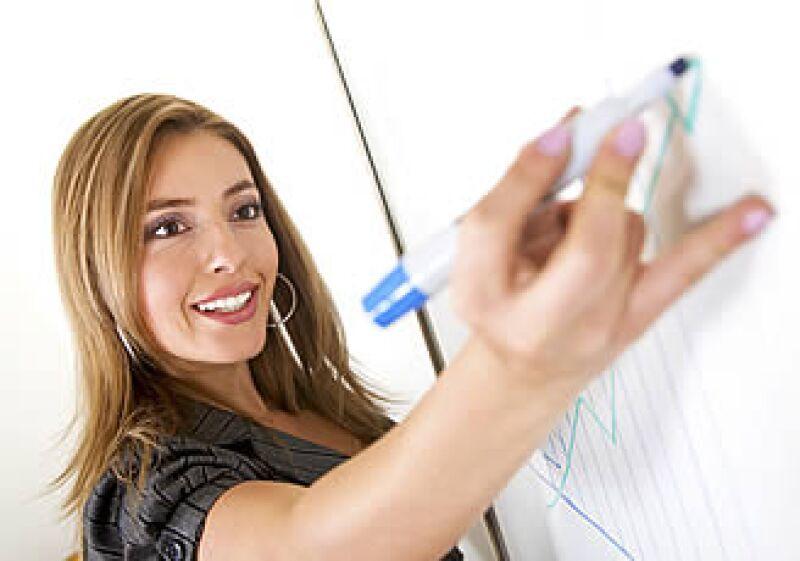 Los ejecutivos suelen querer estudiar otra carrera luego de haberse consolidado profesionalmente, según expertos.  (Foto: Photos To Go)