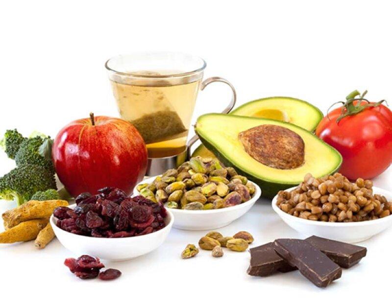 Los antioxidantes ayudan a tu piel a eliminar las toxinas de la contaminación.
