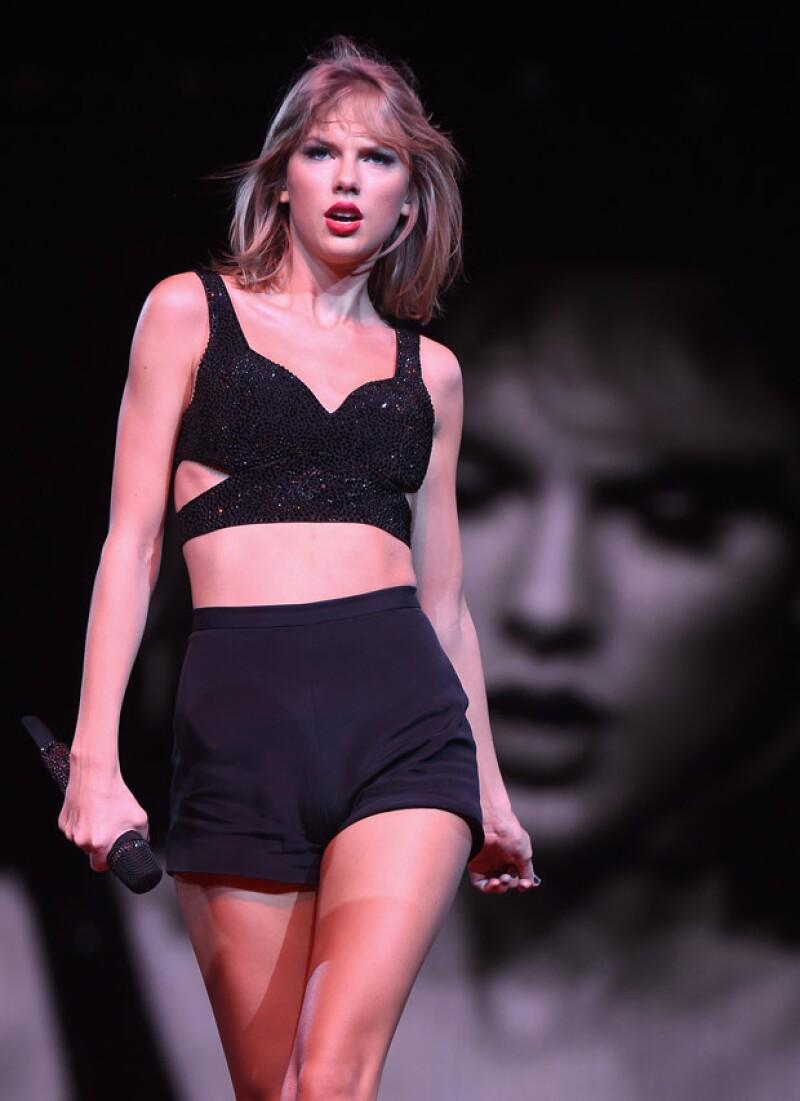 Durante su gira mundial 1989, Taylor tuvo de invitados a famosos artistas, convirtiéndose su gira en una de las más envidiables, en la que todos quería estar.