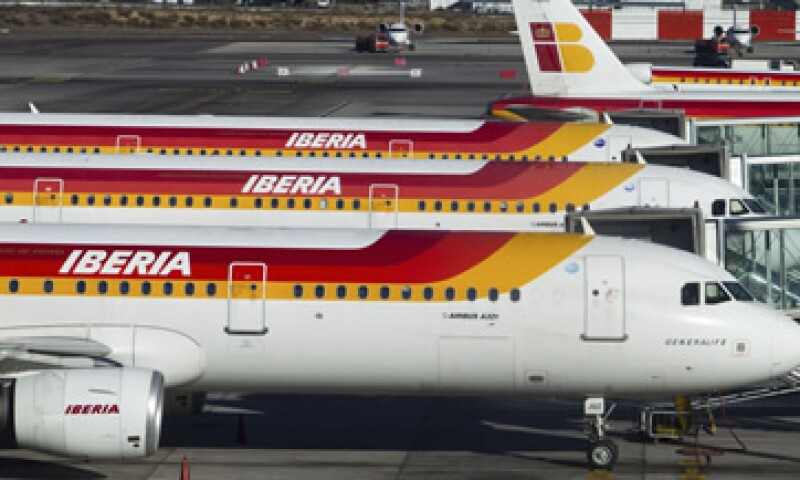 Según Iberia, las dos jornadas de paro en diciembre sumadas a las dos de enero afectarán a 23,000 pasajeros. (Foto: AP)