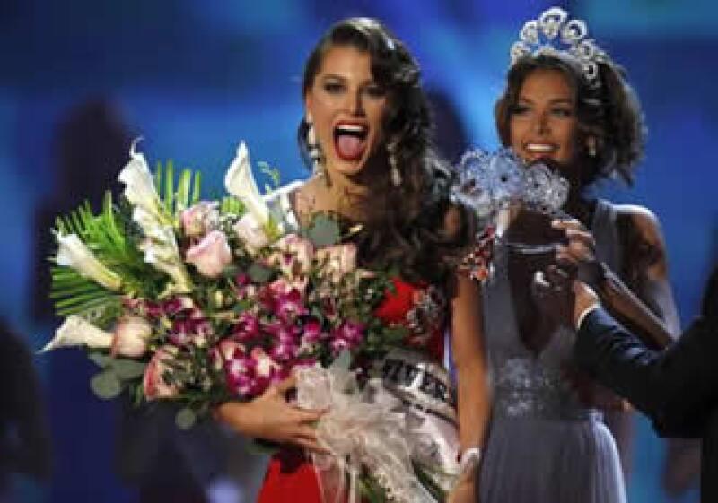 Stefania Fernández, de 18 años de edad, se convirtió en la 58va. ganadora de la corona del concurso de belleza. (Foto: Reuters)