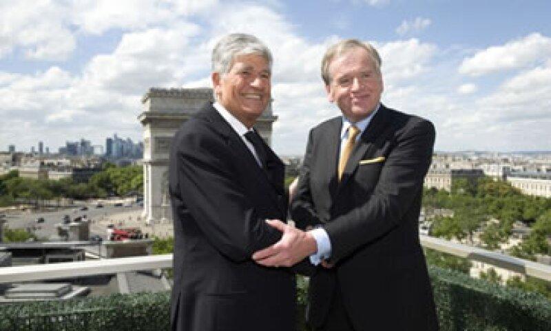 El CEO de Publicis, Maurice Levy (i), no quería perder la esencia de su compañía ante la firma de John Wren (d). (Foto: Getty Images)