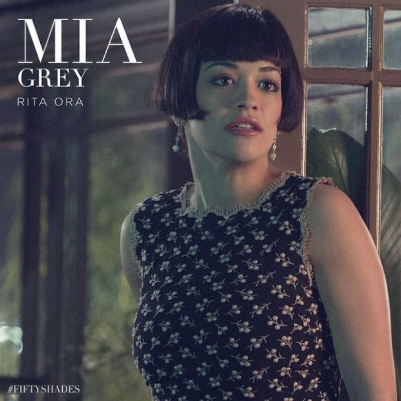 Rita Ora en el papel de Mia Grey.