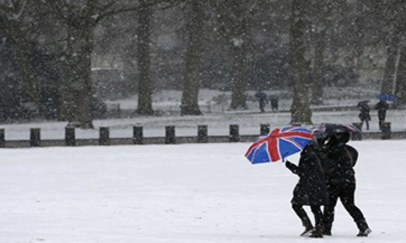 La economía británica podría registrar un desempeño negativo al primer trimestre de 2013, debido a la nieve.  (Foto: Reuters)