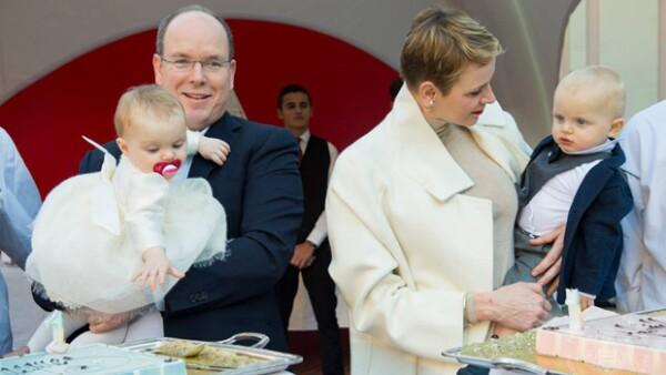 Los hijos del príncipe Alberto y Charlène cumplieron su primer año de vida la semana pasada, por lo que la casa real monegasca no reparó en la celebración al heredero al trono y su melliza.
