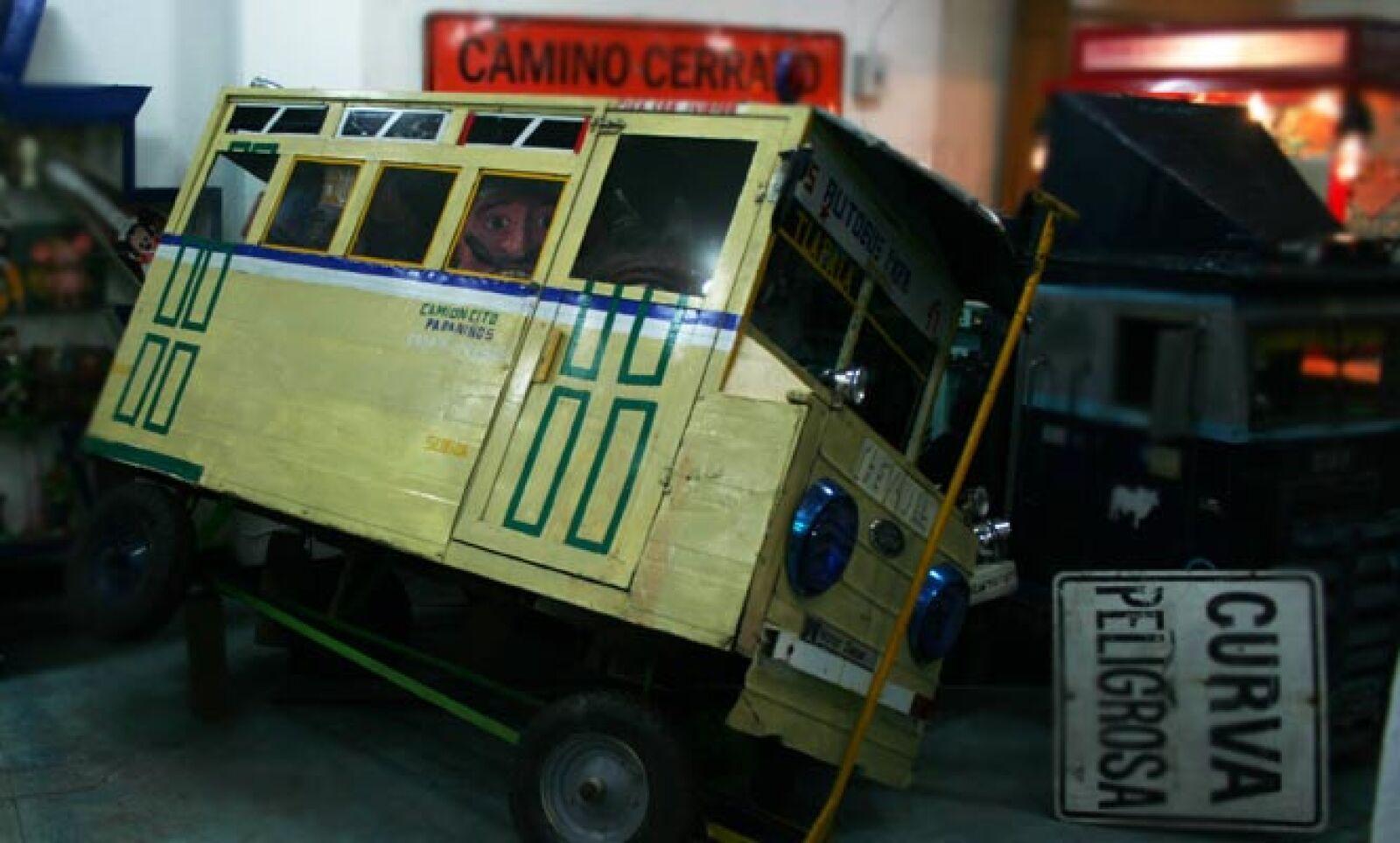 Las empresas jugueteras manufacturan réplicas en miniatura del transporte que se usaba en cada época. El tranvía no podía faltar.