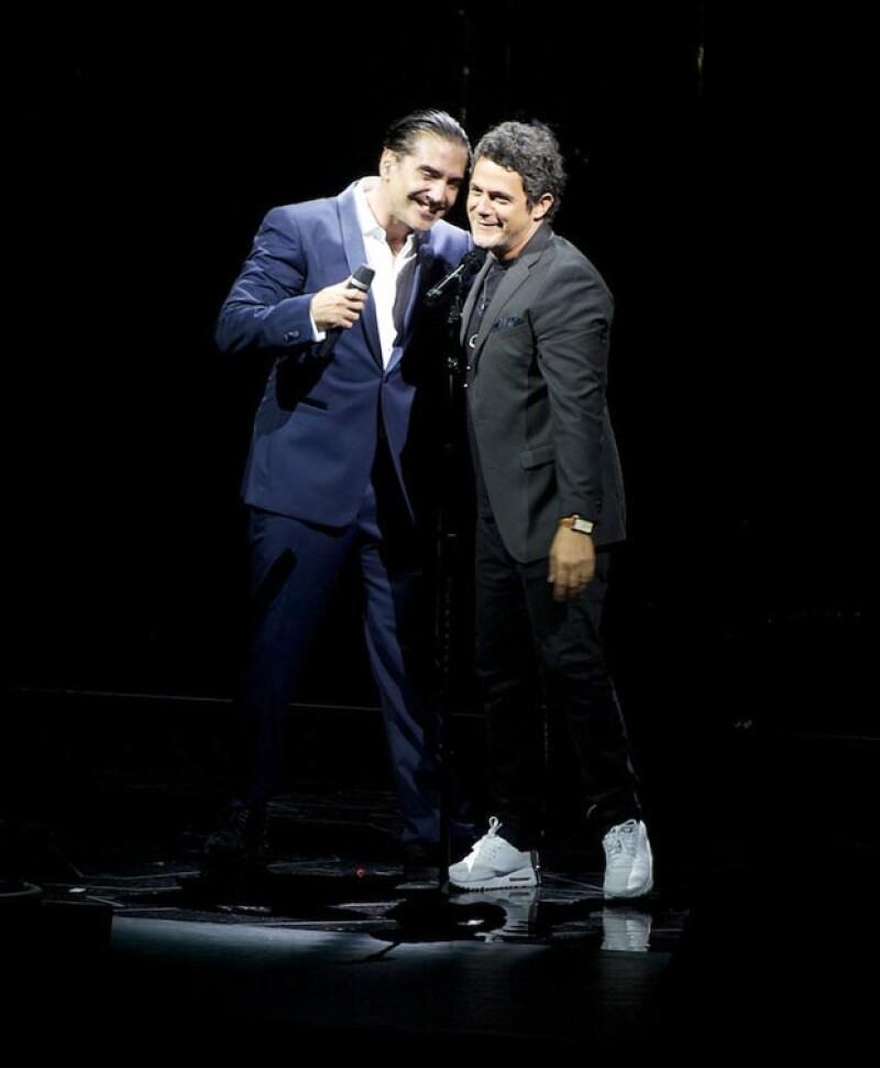 """El Potrillo se presentó en Zapopan, Jalisco; la gran sorpresa de la noche fue la presencia de su colega y amigo para interpretar """"A nadie le importa""""."""