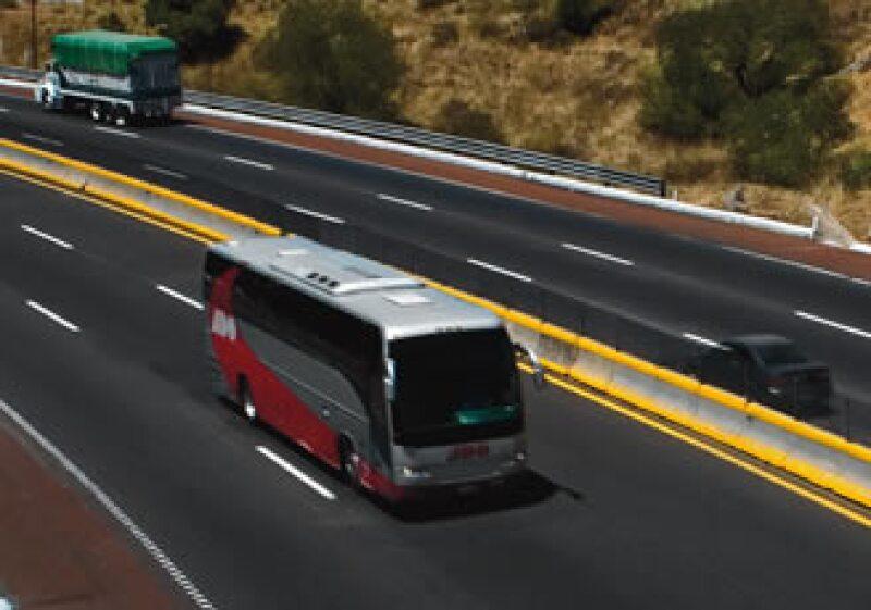 La necesidad de construir y modernizar carreteras originó la participación del capital privado.  (Foto: Federico Gama)