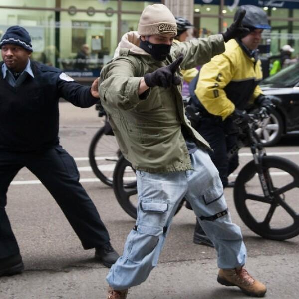 Detienen a manifestantes