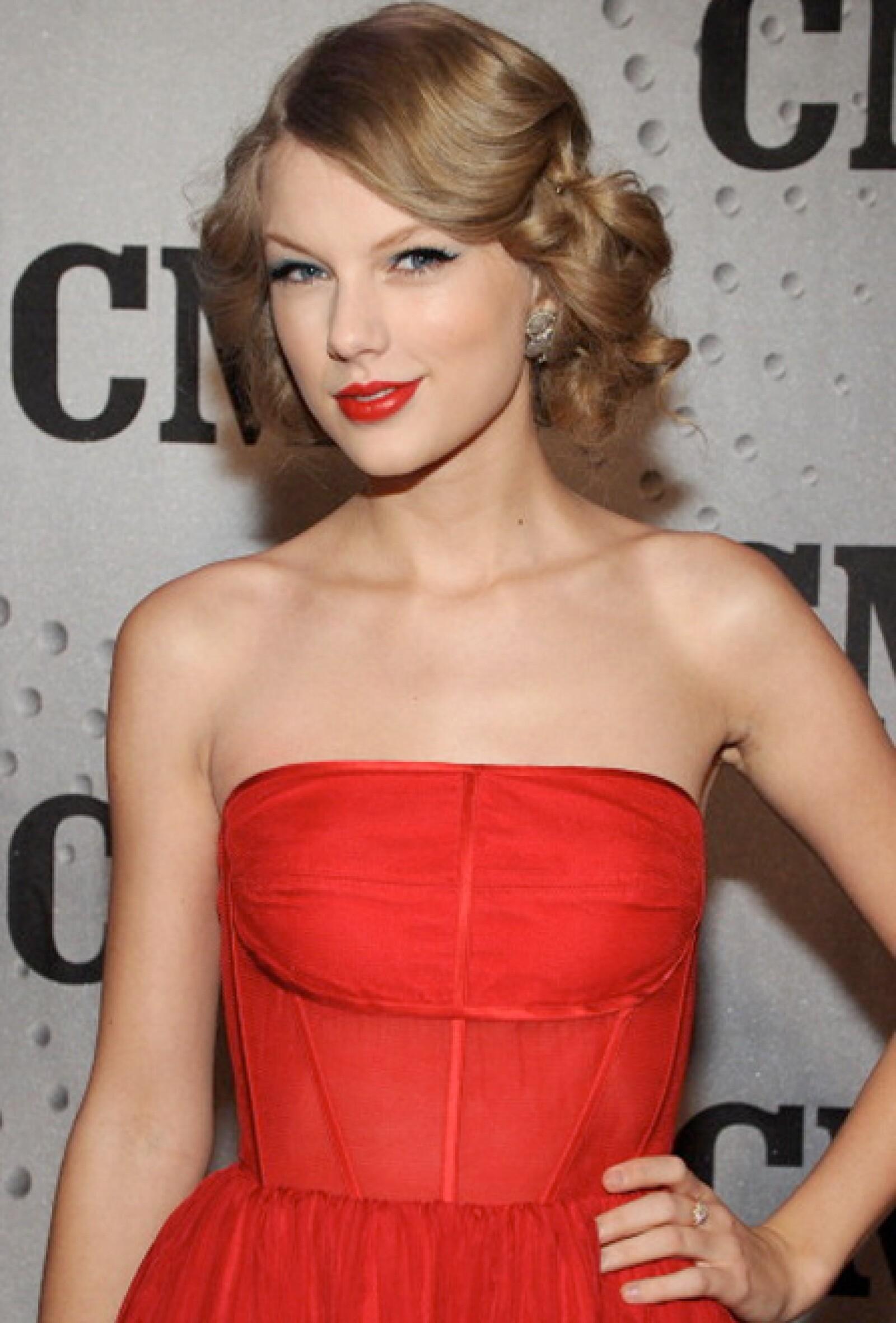 Taylor Swift cumple 24 años el 13 de diciembre.
