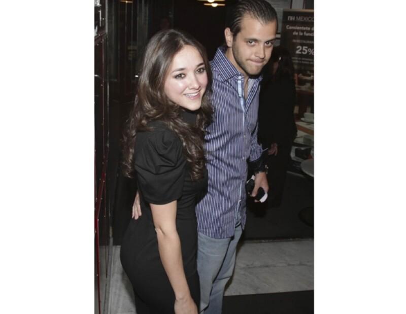 Sherlyn y Alejandro Medina Mora retomaron su noviazgo en julio de 2011.