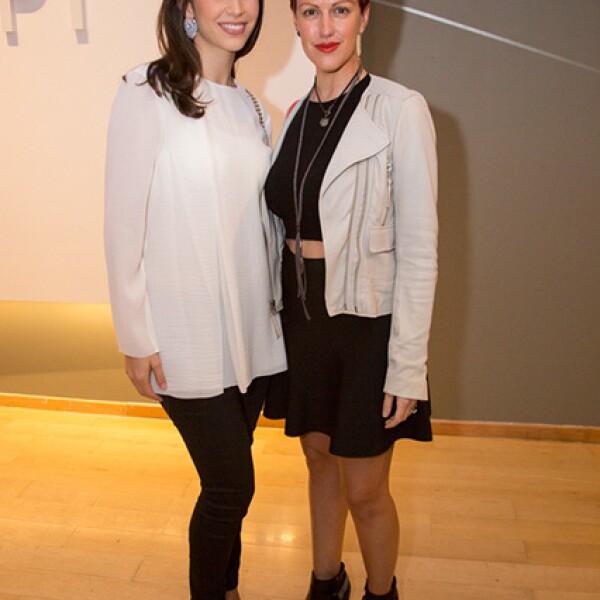 Stephanie Schieman de Santos y Regina del Castillo de Zambrano