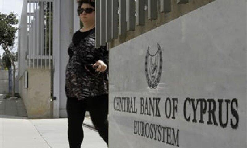 Se cree que Chipre recurrió a la ayuda de Europa después de intentar conseguir préstamos de China o Rusia. (Foto: AP)