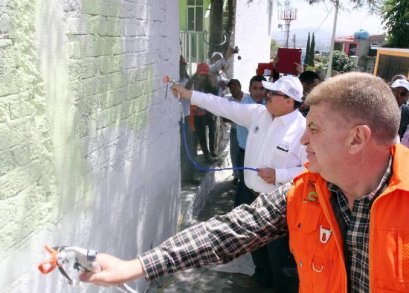 Sedatu pone en marcha programa 'Ilumina M�xico', para mejorar la imagen de las casas