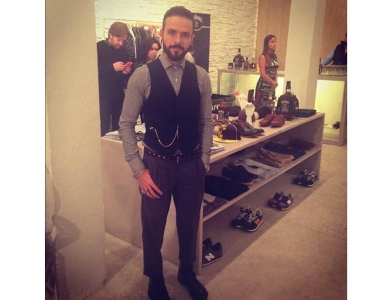 El actor y diseñador de modas reinauguró anoche su tienda de ropa 'Ocho Store', presentando una renovada colección urbana.