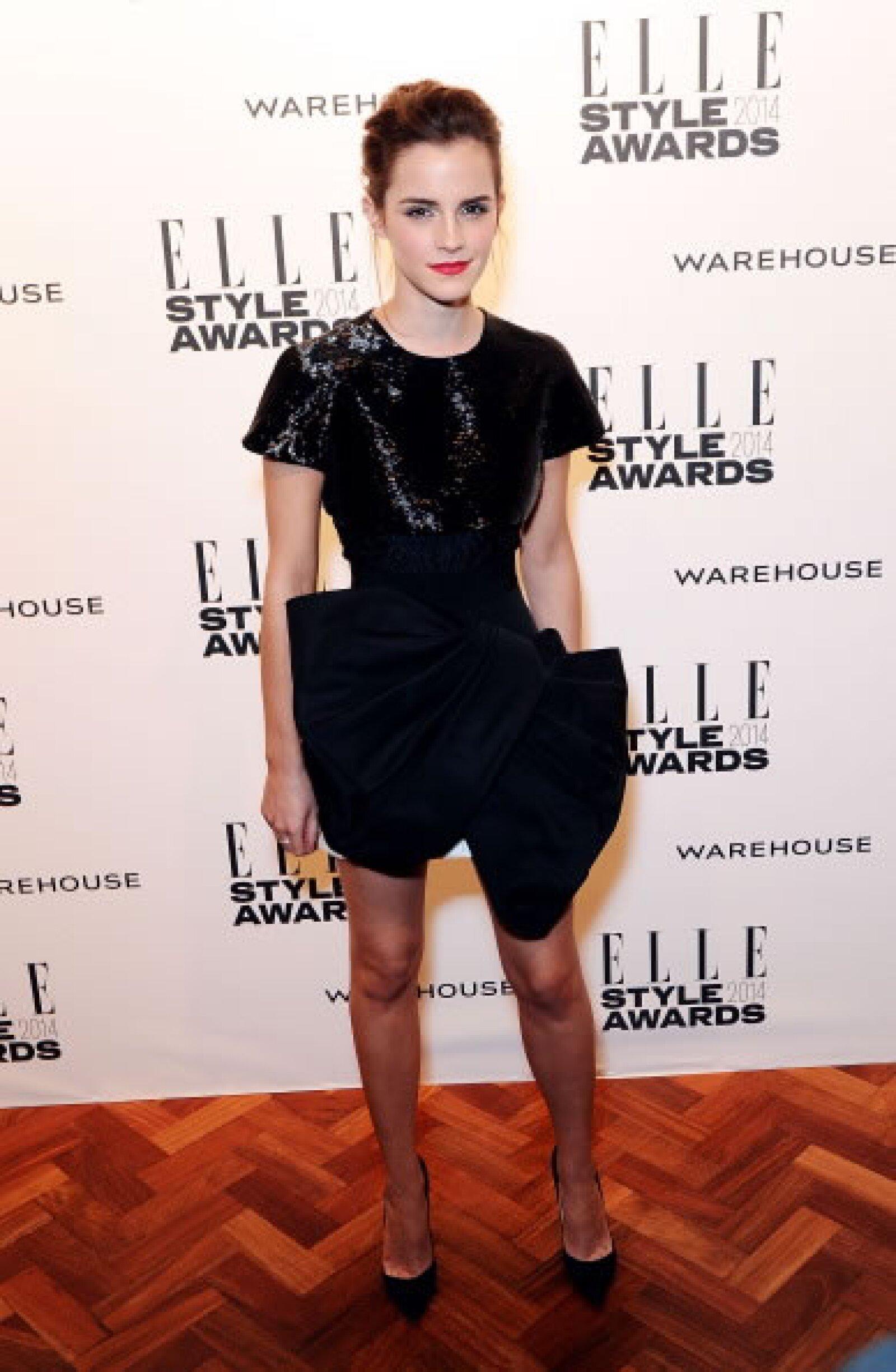 La actriz llevó un vestido `ladylike´ de Giambattista Valli, el top fue bordado y la falda en seda. Finalizó el look con pointy heels Christian Louboutin.