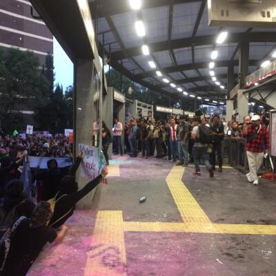 Destrozos en el Metrobús 1
