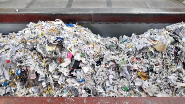 Foto 5. La materia prima base es de papel bond, de oficina.