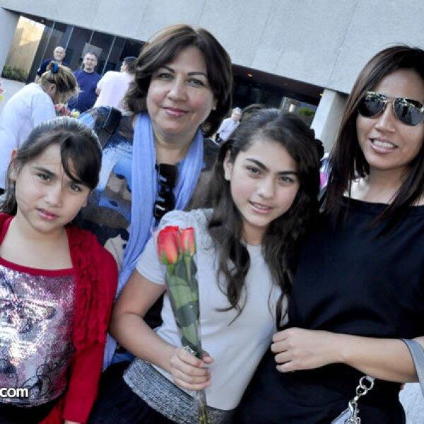 Tiby, Alejandra, Eileen y Wendy Sotomayor
