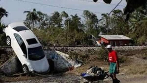 El huracán ocasionó cuantiosos daños en Veracruz, donde debe ubicarse el domicilio fiscal de quienes busquen ayuda de Hacienda. (Foto: Reuters)