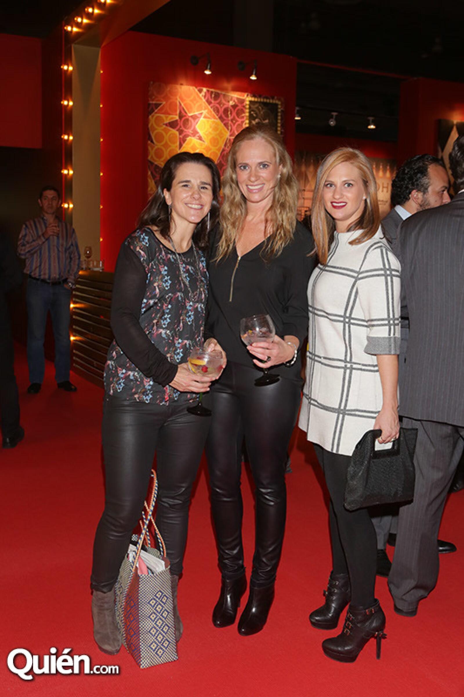 Blanca Gómez con Rocío y Marcela Campos