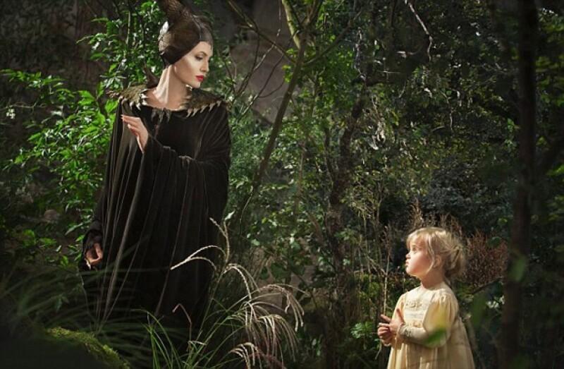 """El día de hoy se publicaron imágenes del debut en cine de la hija más pequeña de Brad Pitt y Jolie. La pequeña interpretará a la """"princesa Aurora"""" en su infancia."""