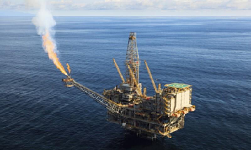 Las bancadas del PRI y del PAN en el Senado discutirán esta semana el dictamen de reforma energética. (Foto: Getty Images)