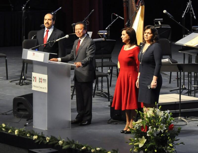 Miembros del PRI celebraron los 70 años de la Confederación Nacional de Organizaciones Populares con un concierto de la Orquesta Sinfónica Patrimonio de la Humanidad.