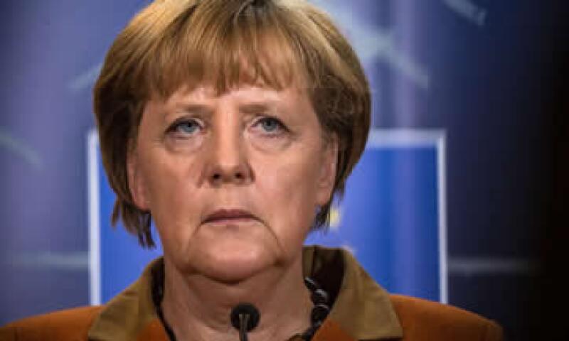 Merkel estableció cuatro elementos en su discurso, entre ellos la armonización en la regulación del mercado financiero. (Foto: AP)