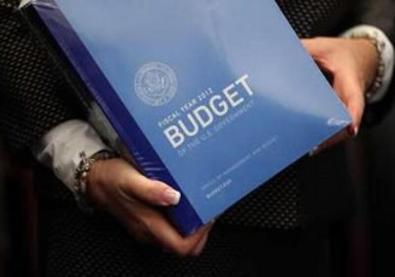 El presupuesto enviado por Obama asume que el crecimiento en el 2011 será de sólo 2.7% anual. (Foto: Reuters)