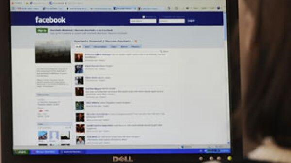 Facebook busca reforzar la seguridad de sus usuarios. (Foto: Archivo AP)