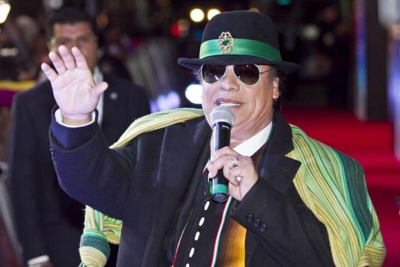 """El Divo de Juárez expresó públicamente su deseo de trabajar con """"El Sol"""" en un proyecto que aseguró podría ser una gran legado para las nuevas generaciones."""