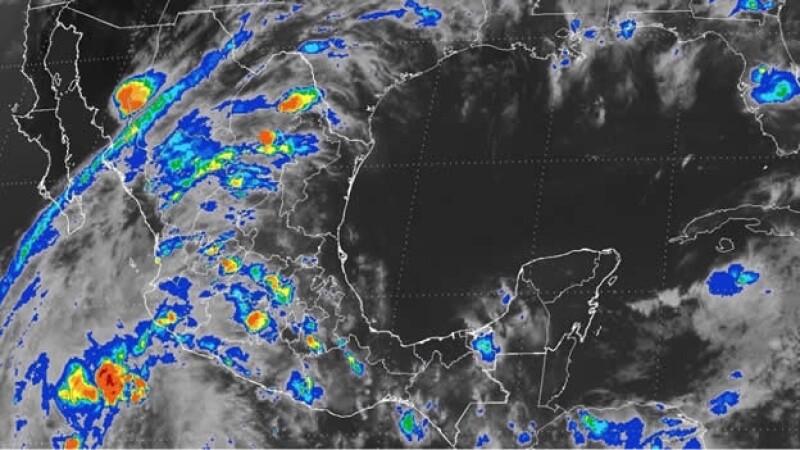 La baja presión que se encuentra frente a las costas del occidente de México este domingo