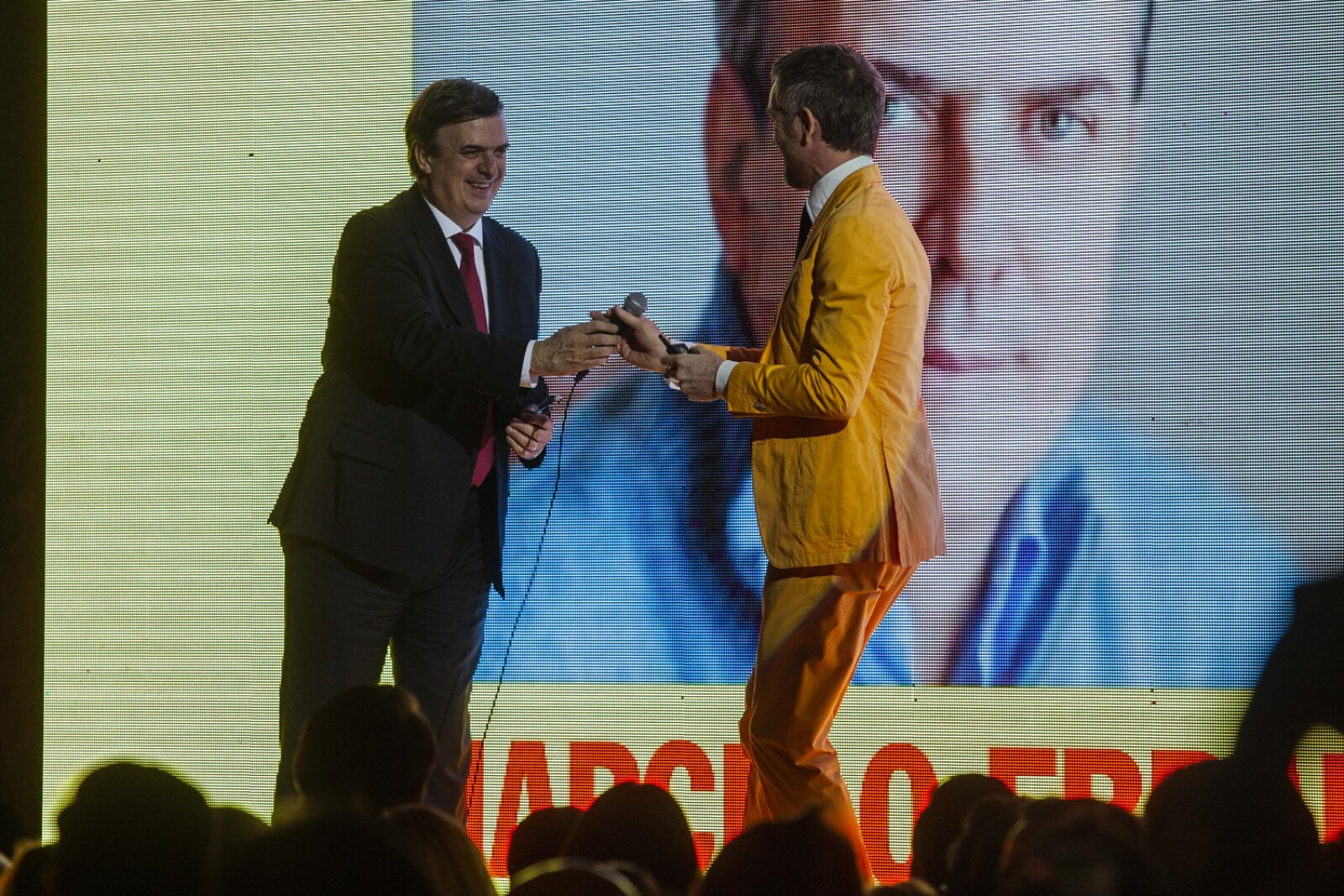 Marcelo Ebrard, Richard Van Den Laker