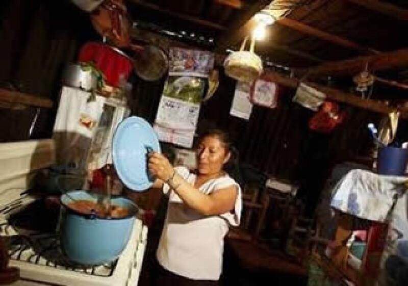 El número de pobres se expandirá a 34.1% de la población en AL. (Foto: Reuters)