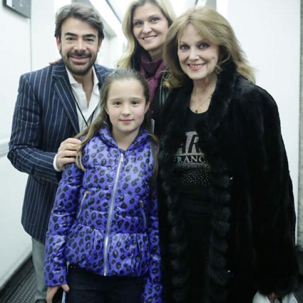 Toño Mauri, Carla Alemán, Christine Martell y Vanessa Alemán.