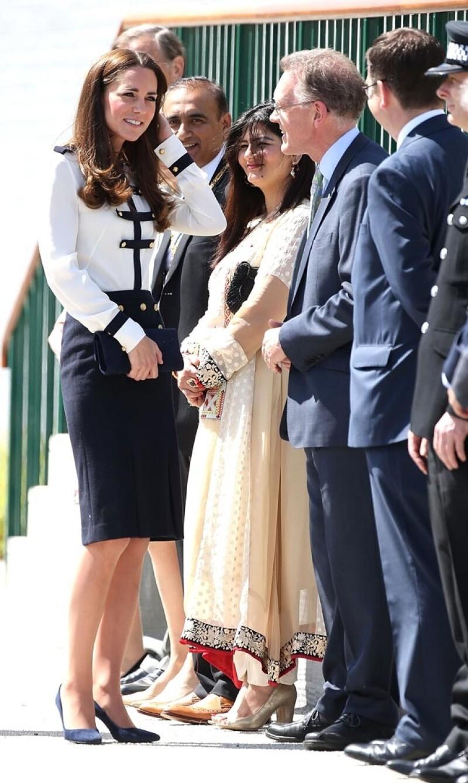 La duquesa de Cambridge asistió a la reapertura de la instalación militar Bletchley Park, donde su abuela trabajó hace 70 años durante la II Guerra Mundial.