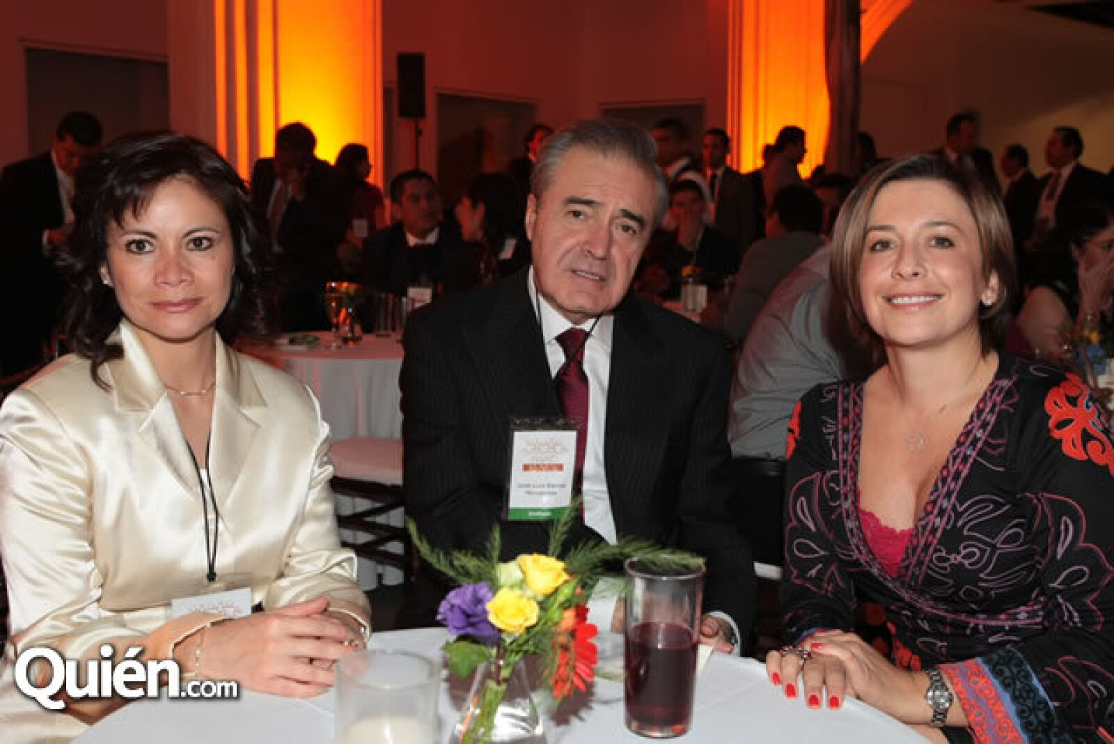 Alma Torres, José Luis Barros y Gabriela González