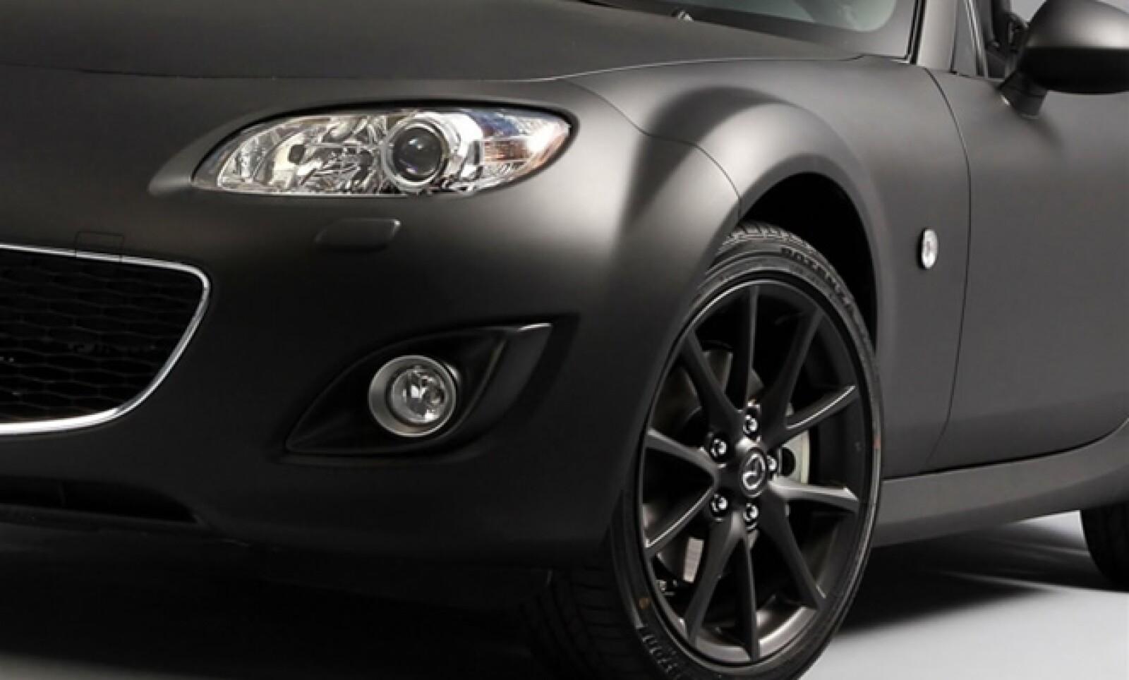 Este modelo ha sido creado con motivo del 21 Salón del Cabriolet, Coupé & SUV de París (Francia).