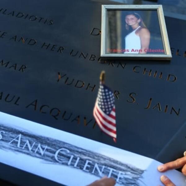 Víctimas de los atentados visitan el memorial del 11S