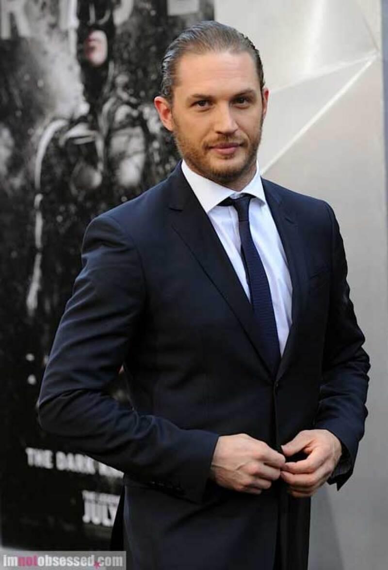 Tom Hardy, el guapo actor británico, se une a la lista de los posibles aspirantes para interpretar a tan legendario personaje.