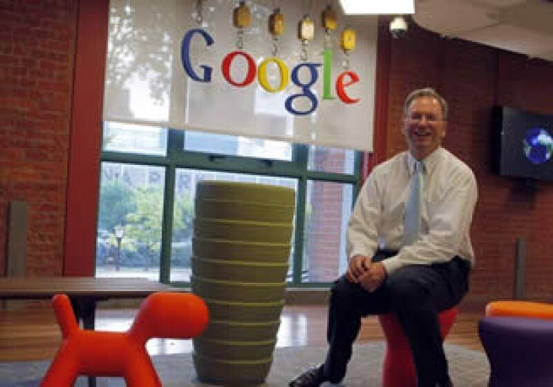Eric Schmidt considera que la industria en su conjunto se beneficiaría con una alternativa a la red de Facebook. (Foto: Reuters)